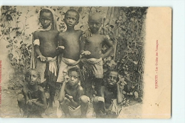 Djibouti : Les Mendiants, Guides Des Passagers. 2 Scans. Edition Arabiadie - Djibouti