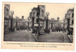 Lisieux Les Rue Pavoisées Arc De Triomphe Fêtes De 1925 Cpa Stéréo Animée Gros Plan 14 Calvados Normandie - Lisieux