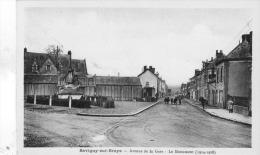 Savigny Sur Braye Avenue De La Gare Le Monument - France