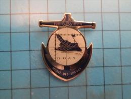 (pin713i) Pin´s Pins / Thème : MILITARIA / Rare MUSEE  DES EPAVES PORT-EN-BESSIN  DEBARQUEMENT D-DAY NORMANDIE    / Marq - Militaria
