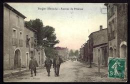 CPA ANCIENNE- FRANCE- ROUJAN (34)- AVENUE DE PEZENAS- PAYSANS SE RENDANT AUX CHAMPS- TRES GROS PLAN - Other Municipalities