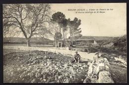 CPA ANCIENNE- FRANCE- ROUJAN (34)- VIADUC DU CHEMIN DE FER ET SOURCE MINERALE- PAYSANS EN TRES GROS PLAN - Altri Comuni