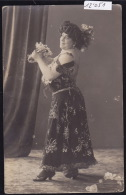 Robe Ample Avec Papillons Brodés Ca 1925 Allemagne Rheinland (12´051) - Mode