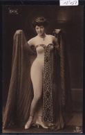Nudité Façon Prêtresse Orientale, Très Dénudée (mais En Collant Blanc) (12´057) - Mode