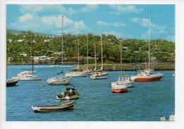 REF 129 : CPSM Ile De La Réunion Le Port De Saint St Pierre - Autres