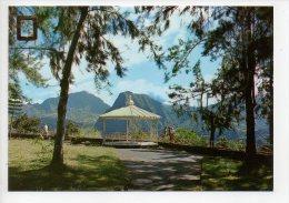 REF 129 : CPSM Ile De La Réunion Kiosque D'Hell Bourg - Autres