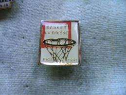 """Pin´s Des 50 Ans Du Basket Club """"La Bresse"""", 1941 - 1991 - Pallacanestro"""