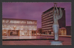 "DF / AUSTRALIE / CANBERRA / "" ETHOS "" EN SENTINELLE SUR CITY SQUARE / "" ETHOS "" STANDS SENTINEL OVER CITY SQUARE / 1970 - Canberra (ACT)"
