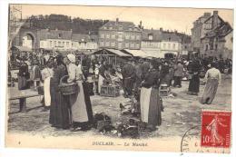 Duclair Le Marché Gros Plan Trés Animé   Cpa Animée  76 Seine Infèrieure Normandie - Duclair