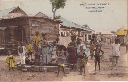 NIGERIA - LAGOS - WEST AFRICA - DOCEMO STREET -BELLE ANIMATION AUTOU DU PUIT. - Nigeria
