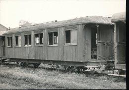 Voiture A Deux Essieux Au Depot De Huelin --- 20.04.1961 - Matériel