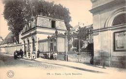 37 - Tours - Lycée Descartes - Tours