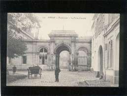 62 Arras Préfecture La Porte D'entrée édit. B. N° 123 Animée - Arras