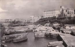 FRANCE - BIARRITZ - PORT DES PECHEURS ET EGLISE SAINTE EUGENIE - Biarritz
