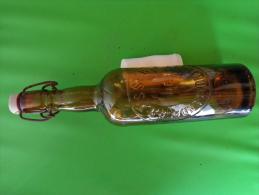 Bouteille Biere Hauteur 31cm -brassiere De Montmorillon--- - Autres Collections