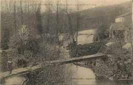 deux-s�vres - ref A 505 - argenton-ch�teau -moulin de renou-la passerelle et la chute - carte bon �tat -