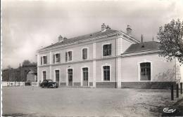 CPSM  CHAUFFAILLES La Gare - Passenger Cars