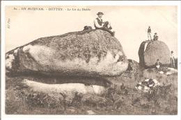 DETTEY  Le Lit Du Diable - Dolmen & Menhirs