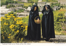 Reino Unido--Irlanda--Traditional Cloaks Worn By Women Of West Cork, Ireland - Cork