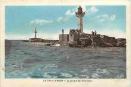 Hérault - Ref A 313 -le Grau D´agde -la Passe Et Les Deux Phares -phares -thème Phares - Carte Bon état  - - Agde