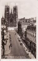 Bruxelles.  - La Cathédrale Et La Rue Ste-Gudule;  Fotokaart - Monuments, édifices