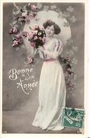 Bonne Année  - Timbrée - Femme Et Fleurs - Neujahr