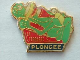 Pin´s PLONGEE - GRENOUILLE - LA TERRASSE - Diving