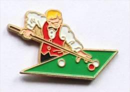 Pin's JOUEUR DE BILLARD - C773 - Billiards