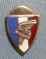 "Insigne ""Legion Des Combattants"" Vichy/occupation - Unclassified"