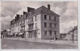 SAINT-CYR-L´ECOLE - Avenue Pierre Curie - Pharmacie - TTB - St. Cyr L'Ecole