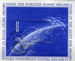 Rakete Erde Satellit Jahr Der Ruhigen Sonne 1964 Satellit DDR Block 20 SST 10€ Wolken Bf M/s Space Bloc Sheet Of Germany - Space