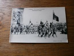 MILITARIA GUERRE 1939-45 LES TROUPE FRANCAISES DEFILE A ARC DE TRIOMPHE PARIS - Weltkrieg 1939-45