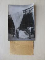 Lancement D'un Ballon-sonde, Rare Photo 13X18, Années 40-50 ? Ref 867 - Photos