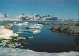 PORT CIRCONCISION ILE PETERMANN LIEU D'HIVERNAGE DE J B CHARCOT LORS DE L'EXPEDITION DU POURQUOI PAS - TAAF : Terres Australes Antarctiques Françaises