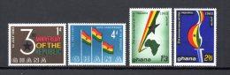 GHANA N° 135à138  NEUFS AVEC CHARNIERES COTE  1.60€ ANNIVERSAIRE DE LA REPUBLIQUE - Ghana (1957-...)