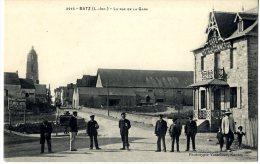 44  BATZ  LA RUE DE LA GARE - Batz-sur-Mer (Bourg De B.)