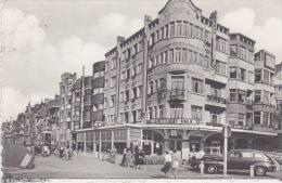 """De Panne - La Panne """"Dique  De Mer Et Hôtel Albert 1er """" Annimée , Vieilles Voitures Etc; - De Panne"""