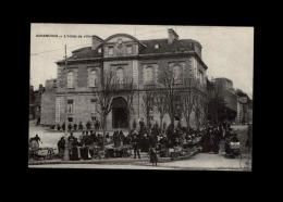 50 - AVRANCHES - Marché - Hotel De Ville - Avranches