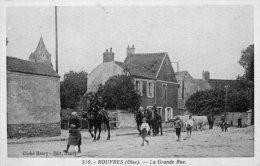 60 Rouvres, La Grande Rue - France