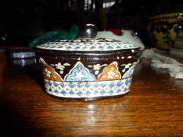 Jolie Petite Terrine Ancienne  En T Hun - Ceramics & Pottery