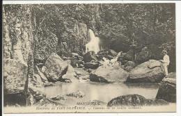 MARTINIQUE , Environs De FORT DE FRANCE , Cascade De La Rivière Levassor , CPA ANIMEE , 1918 - Fort De France