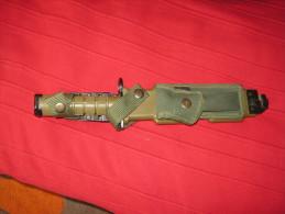 M9 PHROBIS CUK d�un cot� de l�autre cot� MK 030570  ba�onnette pour m16 us