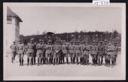 Militaria - Armée Suisse - Instruction D´officiers Du Côté De Kloten Devant Un Engin De Repérage (12´538) - Unclassified