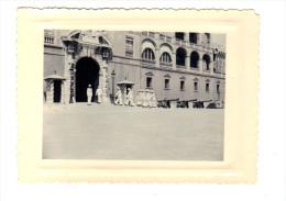 Photographie Originale: Monaco, La Releve De La Garde Au Palais Du Prince (13-2959) - Lieux