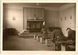 STALAG VIII F Ou G, Durant La Messe ; Photo V 1942 ; Ref 293 - Oorlog, Militair