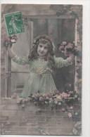 CPA Fantaisie - Enfants - Fillette - Portrait - Fleur - Bonne Année - Portraits