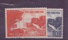 Viet-Nam N° 204 - 205 + 206 à 209 + 210 à 213** - Vietnam