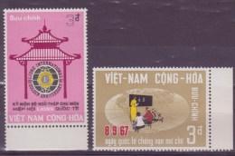 Viet-Nam N° 323-324 Et 325 à 328 + 330** - Vietnam