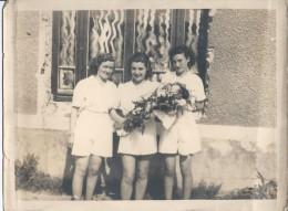 MOUROUX - Jeunes Filles Lors De La Remise De Bouquet à Un Coureur - Section De Gymnastique - PHOTO - Ohne Zuordnung