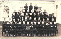 CARTE PHOTO   DE CLASSE 1949? FONTAINE L'EVEQUE? - Cartes Postales